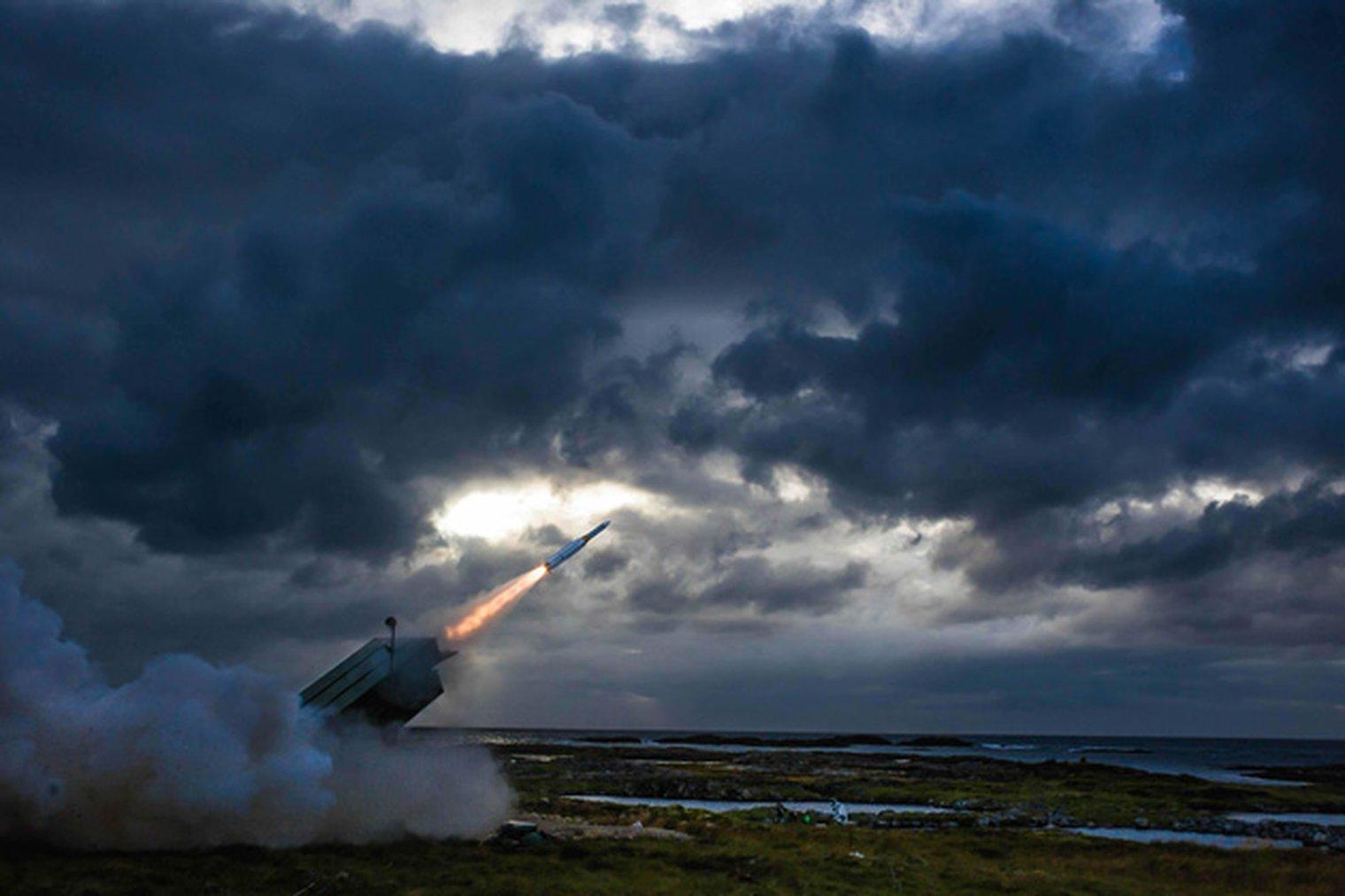 AMRAAM-ER fired from NASAMS - LWI - Land Warfare - Shephard Media