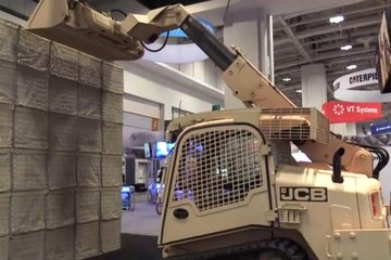 AUSA 2017: JCB reveals military XR-M (video)