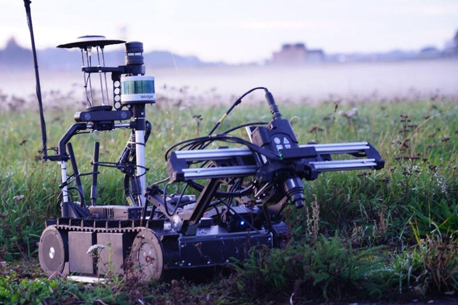 shephardmedia.com - Flavia Camargos Pereira in London - PREMIUM: UK tests robot for chemical reconnaissance - Land Warfare