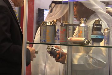 IDEX 2019: UAE stocks up on military kit (video)