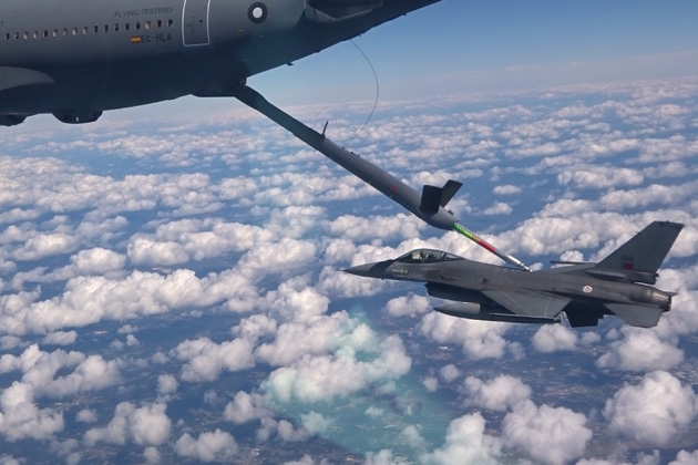 Airbus demos auto air-to-air refuelling contacts