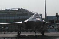 Paris Air Show: F-35 makes its debut (video)